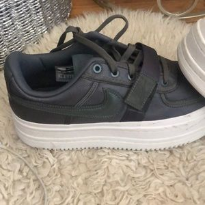 Women's 11 army green NIKES
